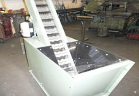 Piano hinge and slat conveyors